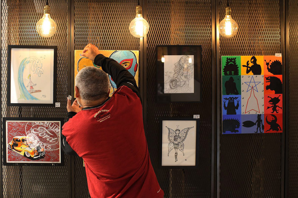 Steve Caballero con le sue illustrazioni