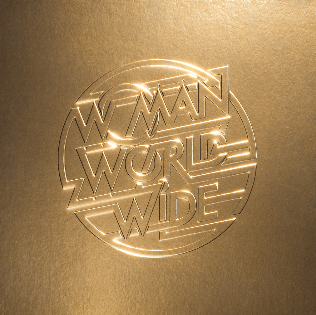 Justice - la cover di Woman Worldwide